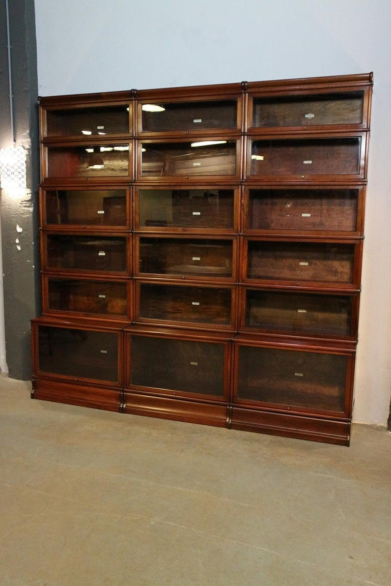 Big antique mahogany Globe Wernicke bookcase For Sale 4