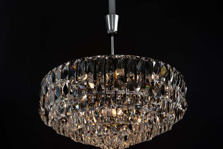Big Bakalowits Crystal Chandelier, circa 1960s In Good Condition For Sale In Wien, AT