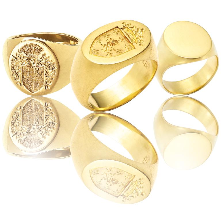 Women's or Men's Big Boy Signet Ring in 18 Karat Gold For Sale