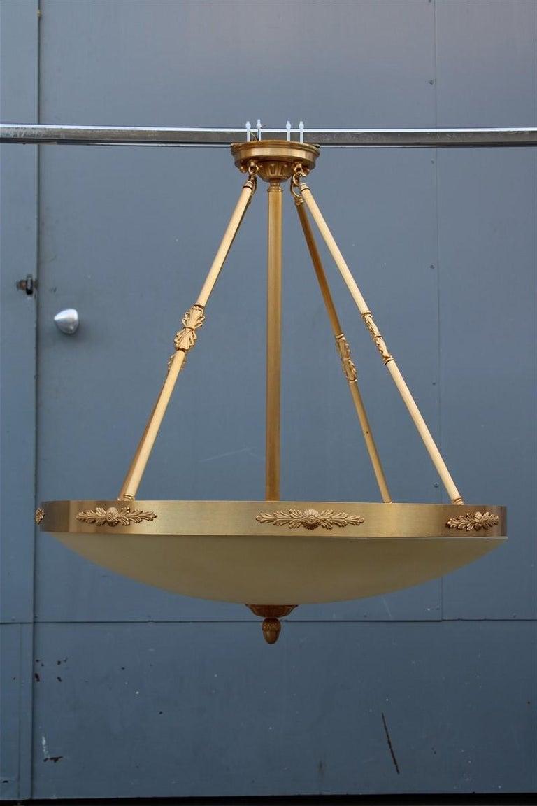 Big Classic Round Italian Chandelier Brass Gold Yellow Glass Italian Design 1970 For Sale 5
