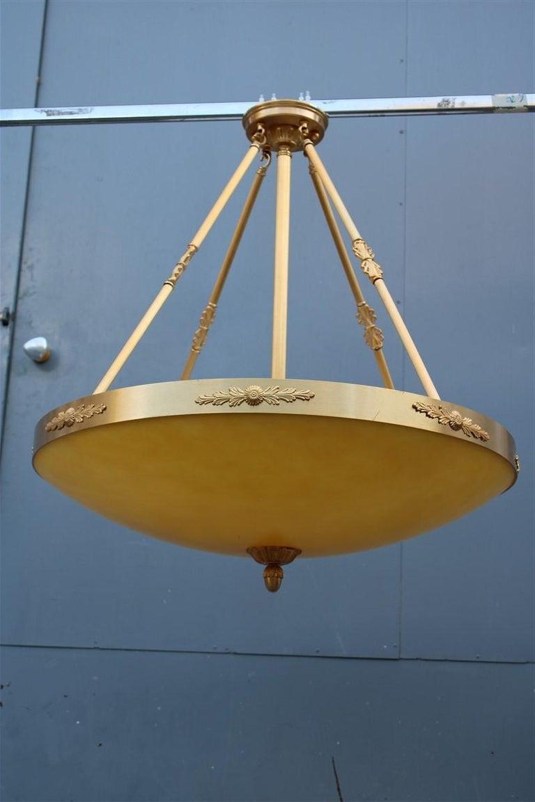 Big Classic Round Italian Chandelier Brass Gold Yellow Glass Italian Design 1970 For Sale 7