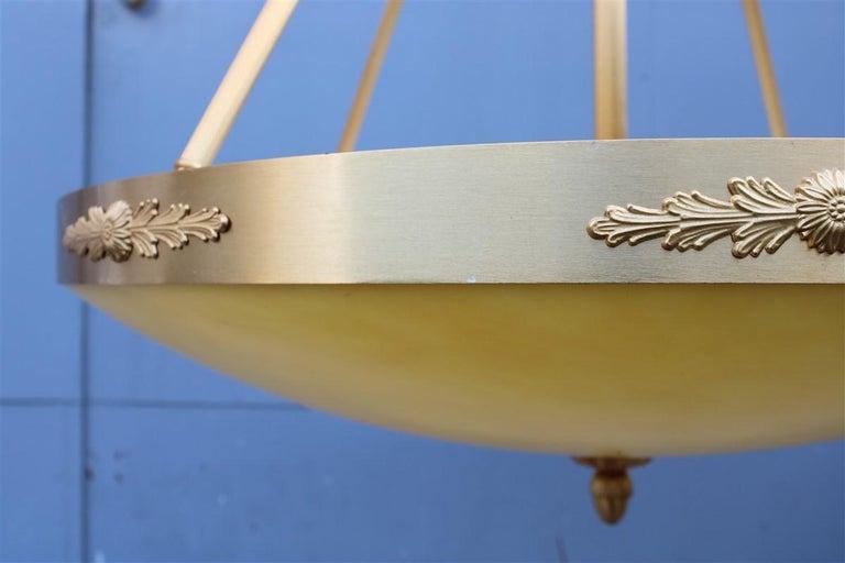 Big Classic Round Italian Chandelier Brass Gold Yellow Glass Italian Design 1970 For Sale 9