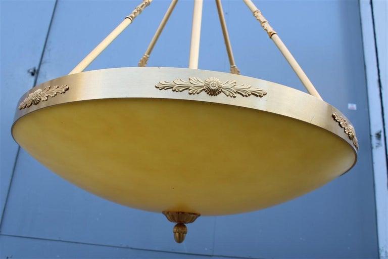 Big Classic Round Italian Chandelier Brass Gold Yellow Glass Italian Design 1970 For Sale 10