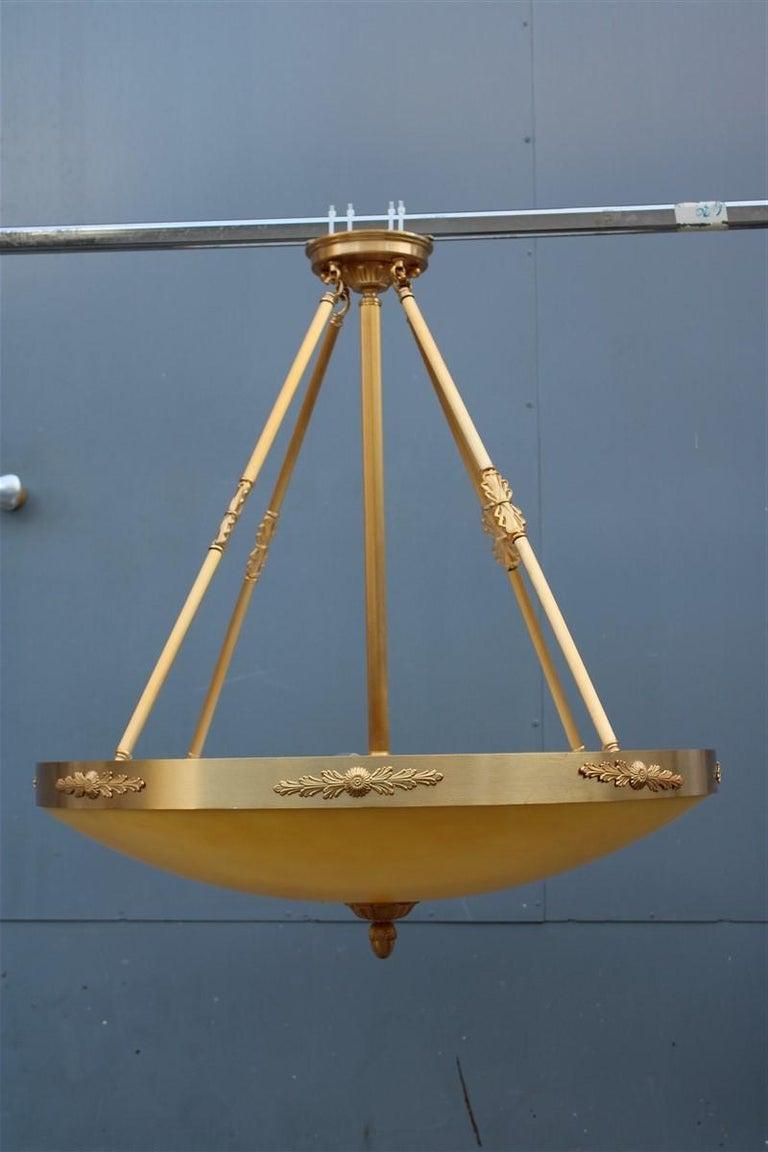 Big Classic Round Italian Chandelier Brass Gold Yellow Glass Italian Design 1970 For Sale 12