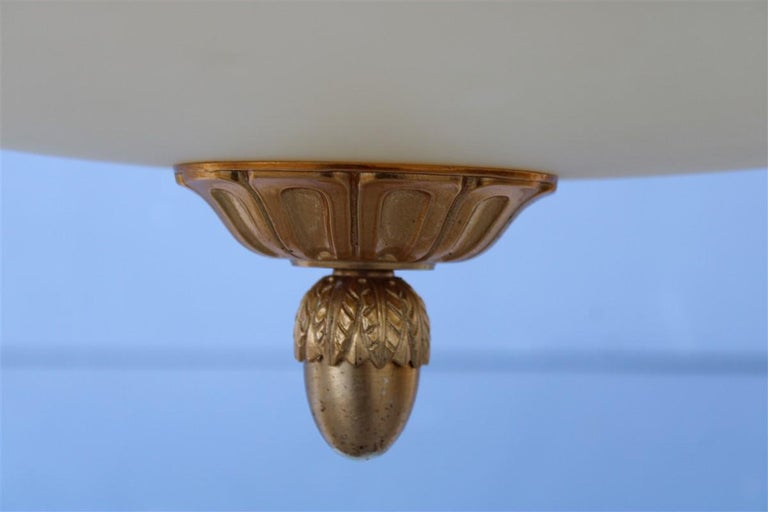 Big Classic Round Italian Chandelier Brass Gold Yellow Glass Italian Design 1970 In Good Condition For Sale In Palermo, Sicily