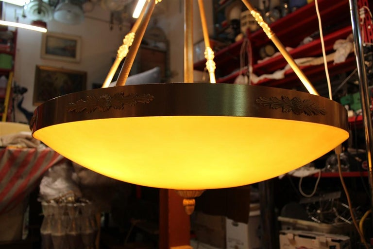 Late 20th Century Big Classic Round Italian Chandelier Brass Gold Yellow Glass Italian Design 1970 For Sale
