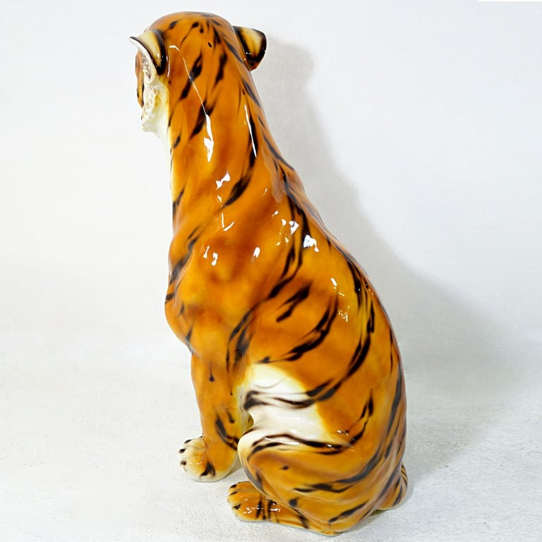 Big Mid-Century Modern Ceramic Tiger in the Style of Ronzan Marked Made in Italy In Good Condition For Sale In Doornspijk, NL