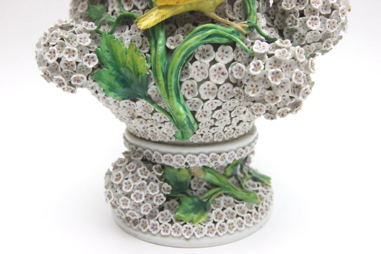 19th Century Big Pair of Meissen Porcelain Vases in Snowball Decor with Birds and Flowers For Sale