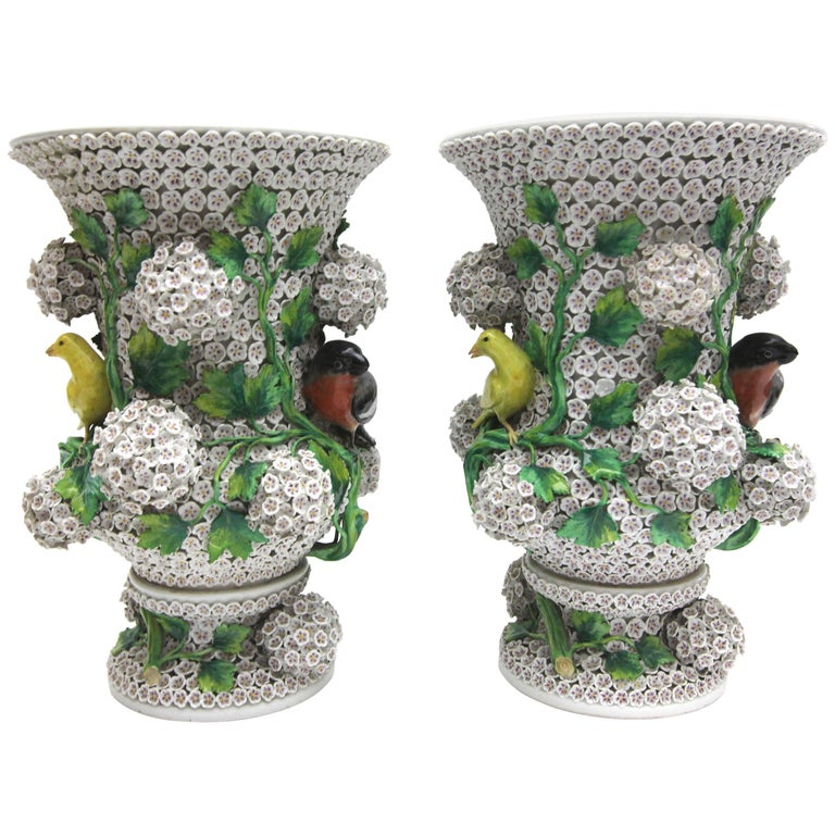 Big Pair of Meissen Porcelain Vases in Snowball Decor with Birds and Flowers For Sale