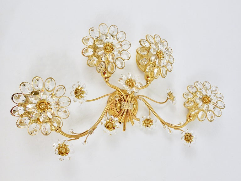 Big Palwa Bunch of Flowers Gilt Brass Crystals Flower Wall Light Sconce, 1970s In Good Condition For Sale In Vienna, AT