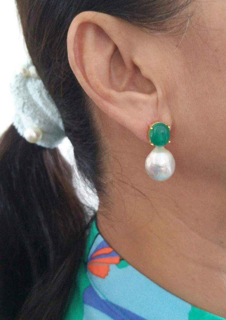Big Size White Baroque Pearls Oval Green Onyx Cabochons Yellow Gold Earrings For Sale 5
