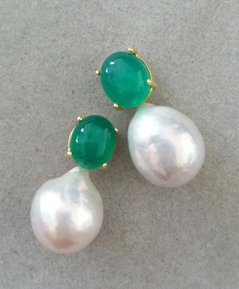 Contemporary Big Size White Baroque Pearls Oval Green Onyx Cabochons Yellow Gold Earrings For Sale