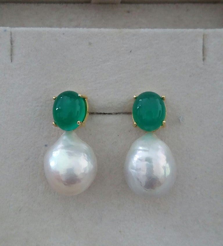 Big Size White Baroque Pearls Oval Green Onyx Cabochons Yellow Gold Earrings For Sale 1