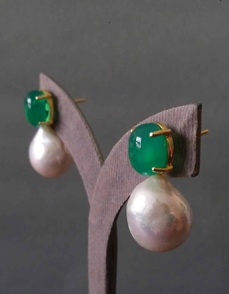 Big Size White Baroque Pearls Oval Green Onyx Cabochons Yellow Gold Earrings For Sale 4