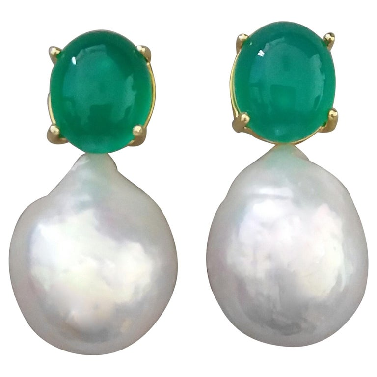 Big Size White Baroque Pearls Oval Green Onyx Cabochons Yellow Gold Earrings For Sale