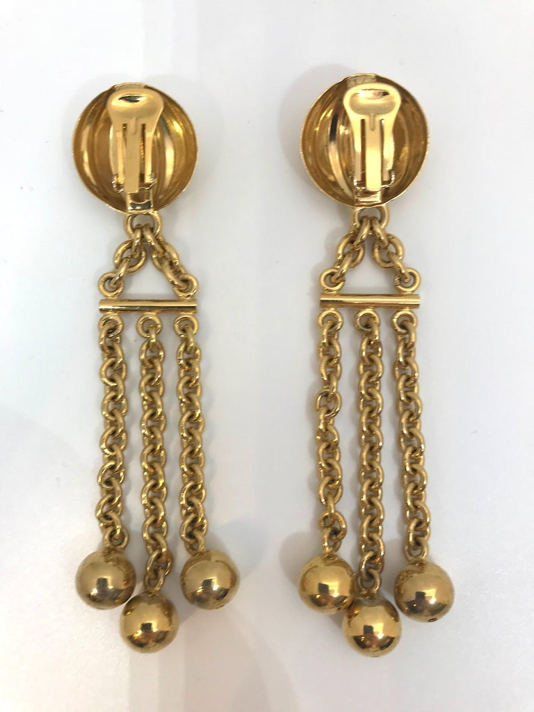 Bijoux Cascio of Italy 1980s Fringe Chain Earrings In Good Condition For Sale In New York, NY