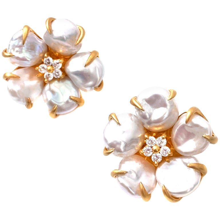 Bijoux Num Baroque Pearl Flower Earrings For Sale