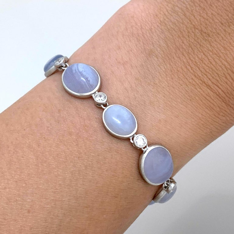 Bijoux Num Bezel-set Chalcedony Station Bracelet In New Condition For Sale In Los Angeles, CA