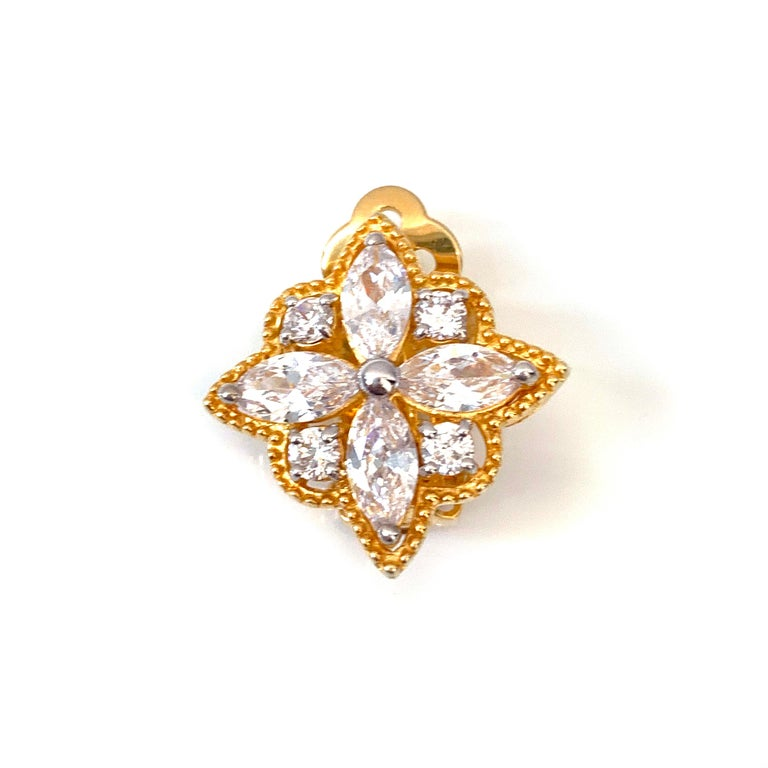 Bijoux Num Byzantine Flower Faux Diamond Sterling Silver Clip-on Earrings In New Condition For Sale In Los Angeles, CA