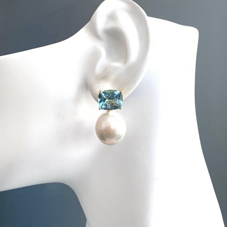 Bijoux Num Cushion-cut Blue Topaz and White Cultured Baroque Pearl Drop Earrings In New Condition For Sale In Los Angeles, CA