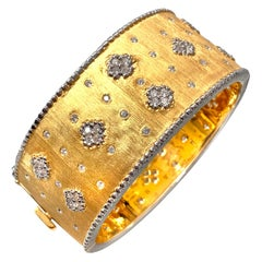 Bijoux Num Fabulous Clover Patten Wide Vermeil Bangle Bracelet