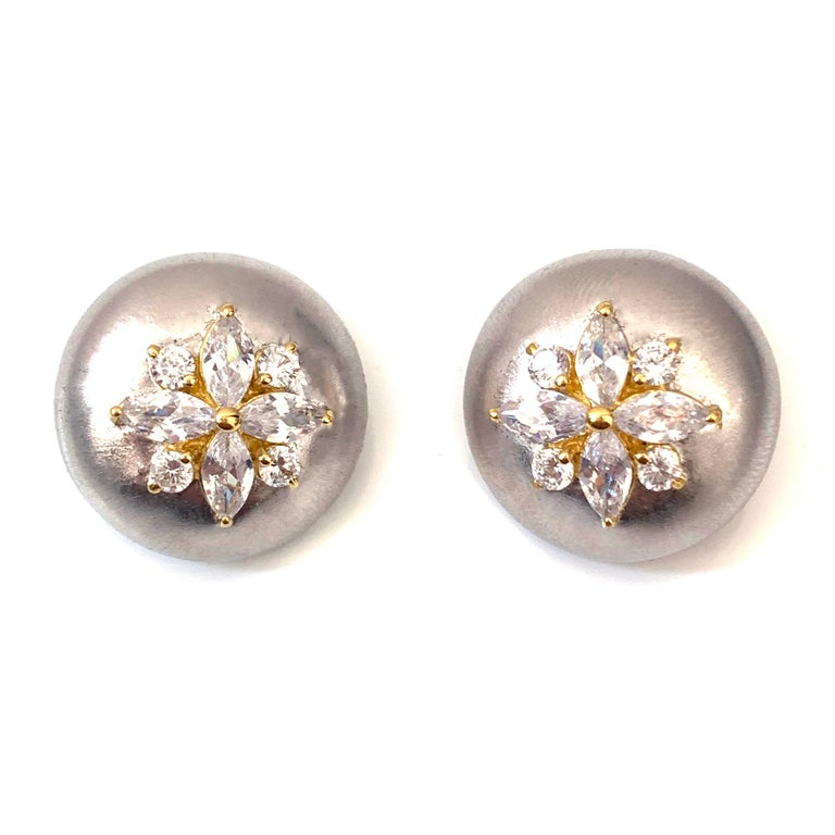 Contemporary Bijoux Num Flower Faux Diamond Round Button Clip-on Earrings For Sale