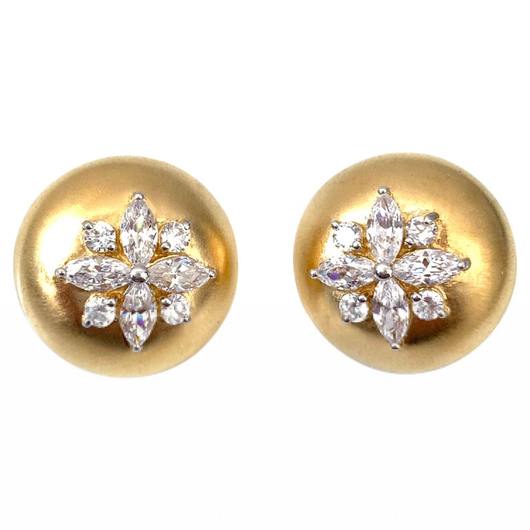 Bijoux Num Flower Faux Diamond Round Button Clip-on Earrings For Sale