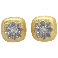 Bijoux Num Hand-engraved Flower Sterling Silver Vermeil Stud Earrings