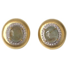 Bijoux Num Hand-engraved Oval Cabochon Beryl Clip-on Earrings