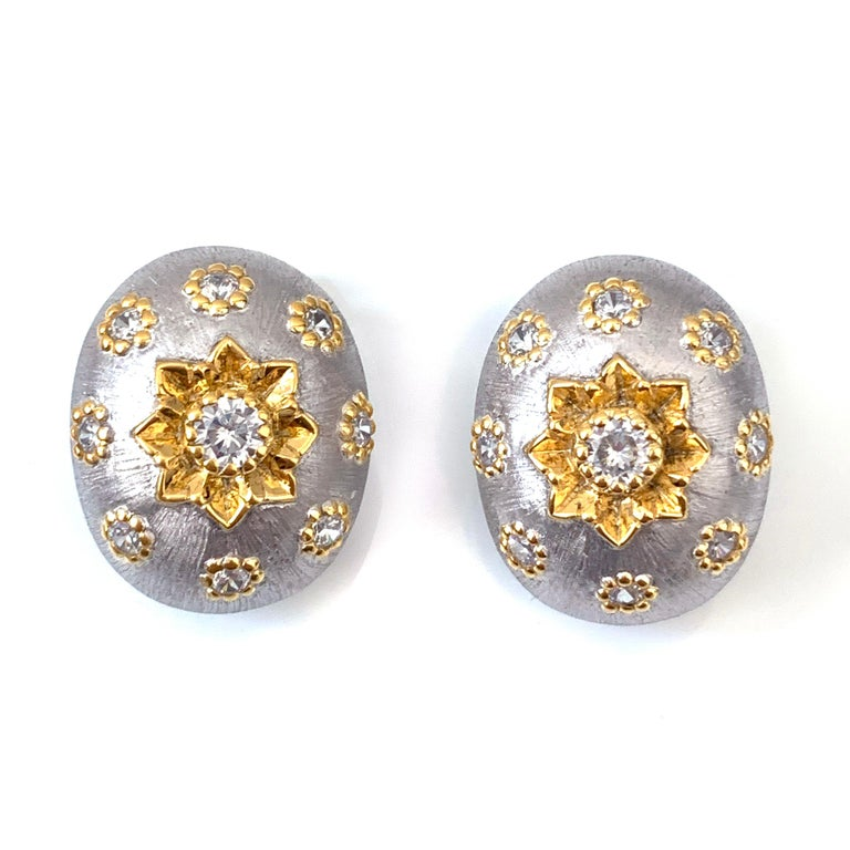 Contemporary Bijoux Num Hand-engraved Oval Clip-on Earrings For Sale
