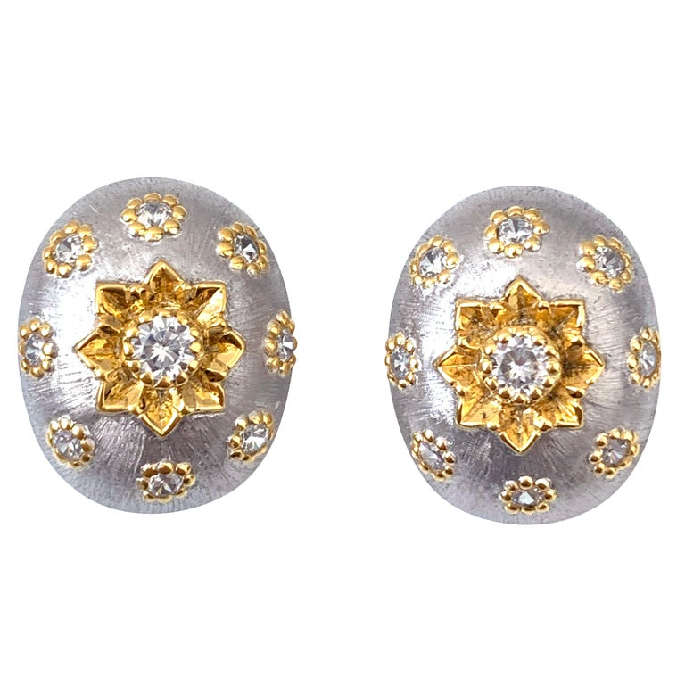 Bijoux Num Hand-engraved Oval Clip-on Earrings For Sale