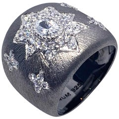 Bijoux Num Hand-engraved Star Pattern Black Rhodium Bombe Ring