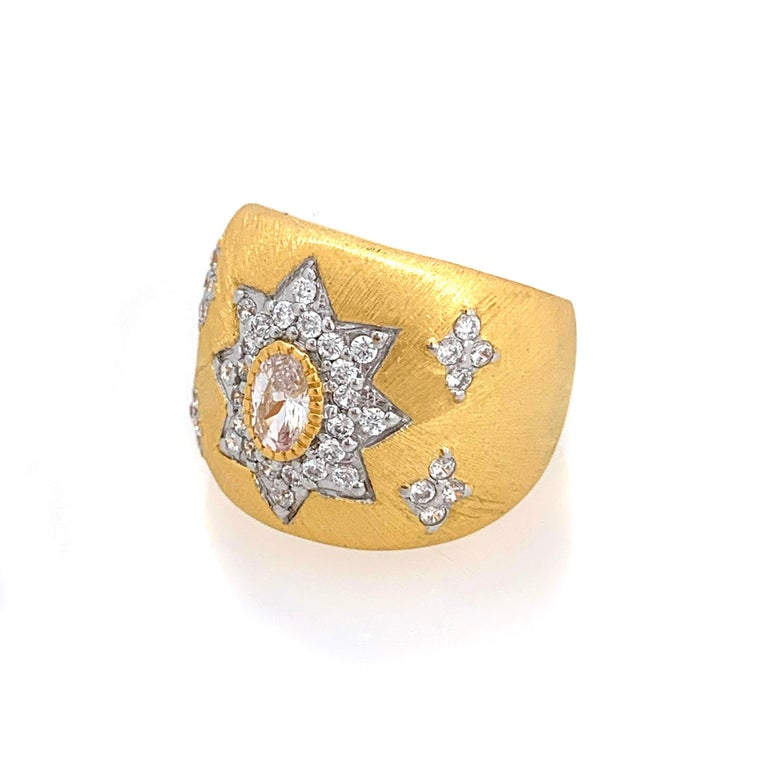 Contemporary Bijoux Num Hand-engraved Star Pattern Vermeil Bombe Ring For Sale