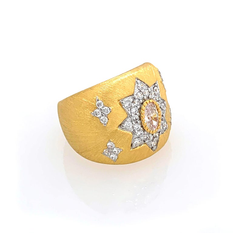Oval Cut Bijoux Num Hand-engraved Star Pattern Vermeil Bombe Ring For Sale