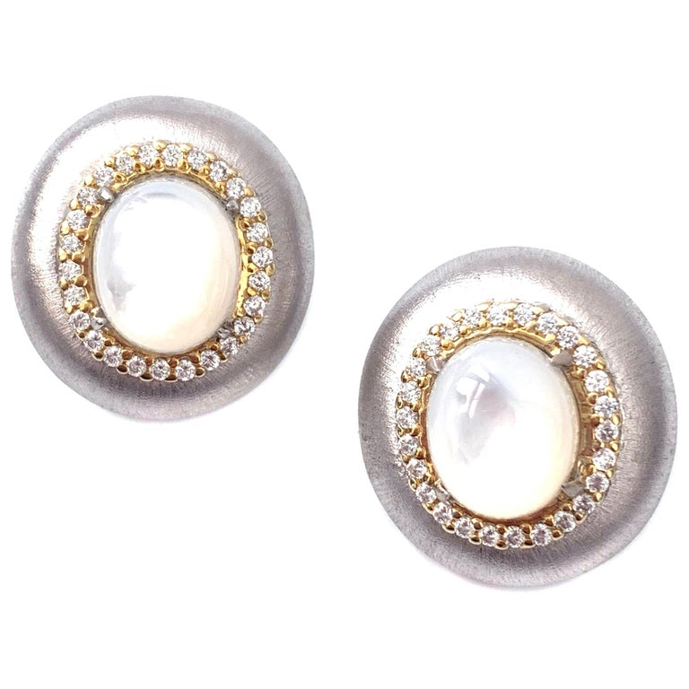 Bijoux Num Oval Mother of Pearl Oval Button Two-tone Clip-on Earrings For Sale