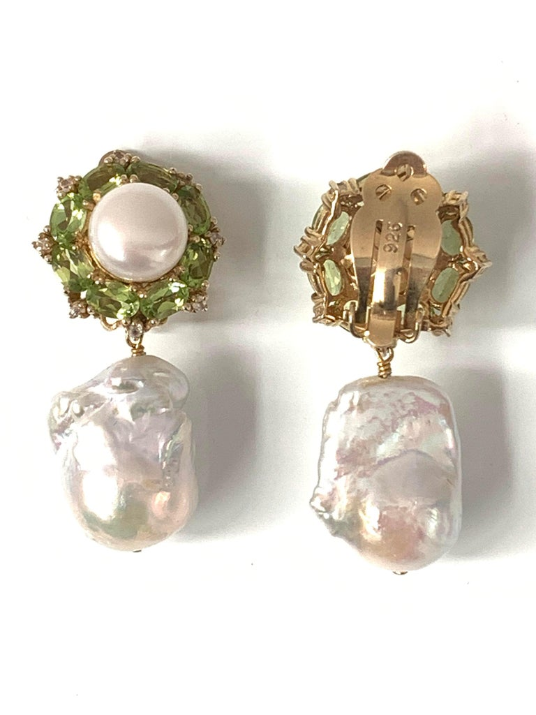Contemporary Bijoux Num Pearl Peridot White Sapphire and Baroque Pearl Drop Earrings For Sale