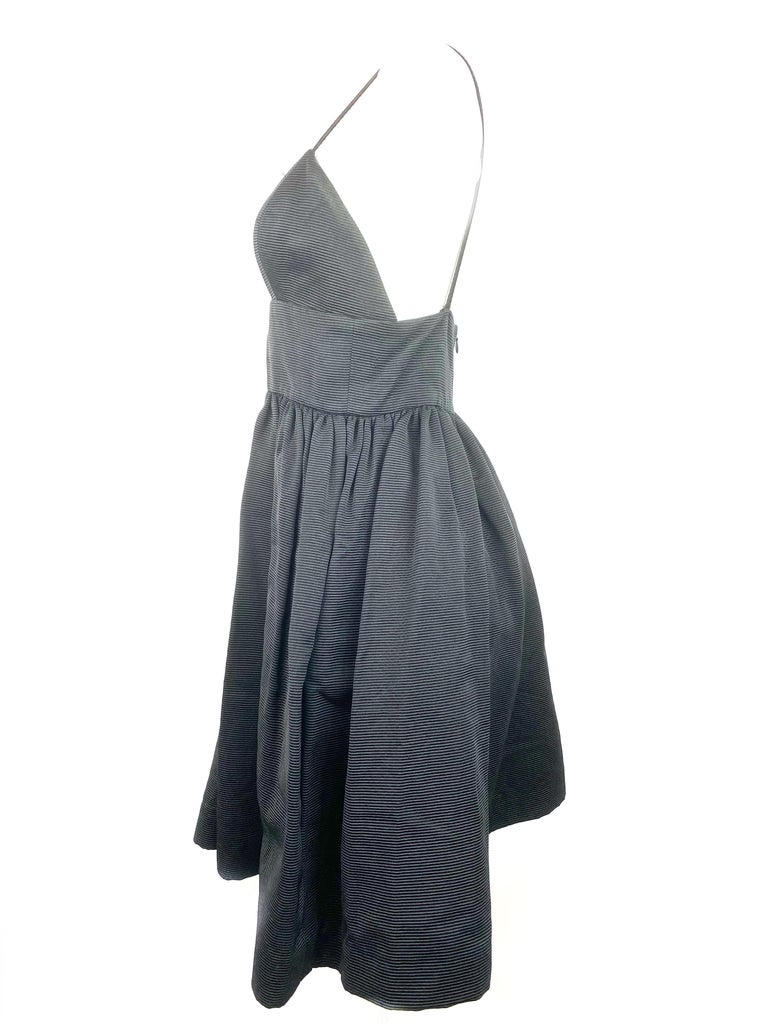 Bill Blass Black Babydoll Dress Size 8 In Excellent Condition For Sale In  Beverly Hills, CA