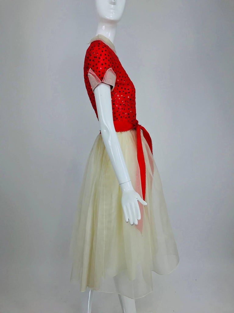 Bill Blass red and white sequined organza party dress 1980s In Excellent Condition For Sale In West Palm Beach, FL
