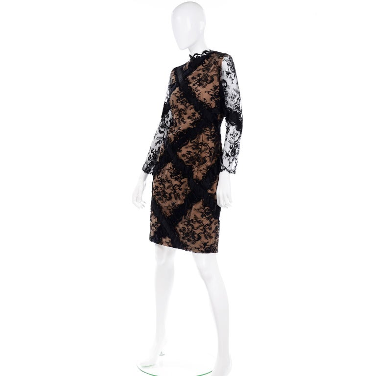 Bill Blass Vintage Black Lace Over Peach Tan Silk Evening Dress With Back Bow In Excellent Condition For Sale In Portland, OR