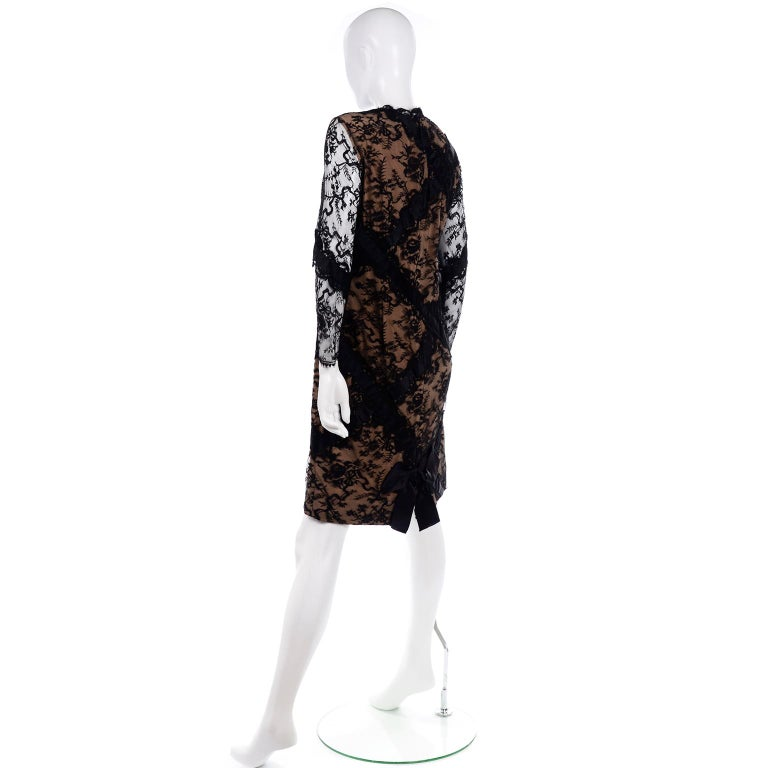 Women's Bill Blass Vintage Black Lace Over Peach Tan Silk Evening Dress With Back Bow For Sale