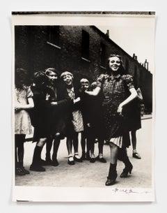 East End Girl dancing the Lambeth Walk