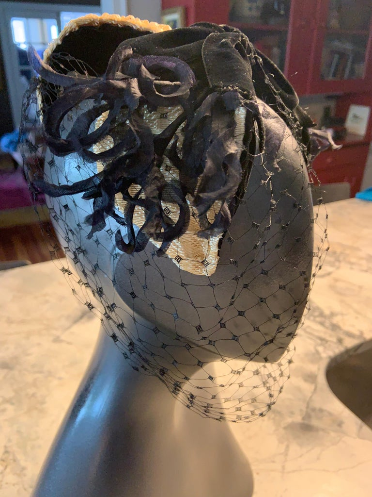 Bill Cunningham William J Veiled Cocktail Hat In Excellent Condition For Sale In New Hope, PA
