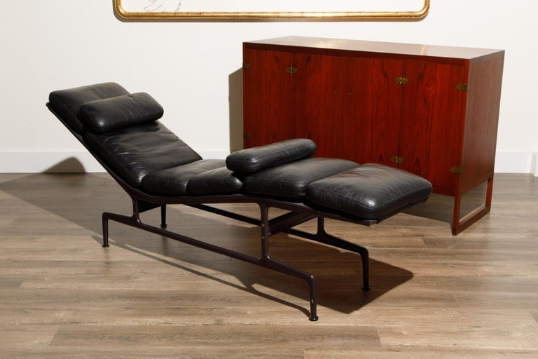 Billy Wilder Chaise Lounge by Ray & Charles Eames for Herman Miller For Sale 13