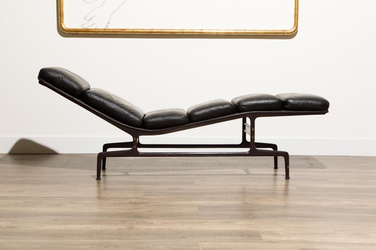 Mid-Century Modern Billy Wilder Chaise Lounge by Ray & Charles Eames for Herman Miller For Sale