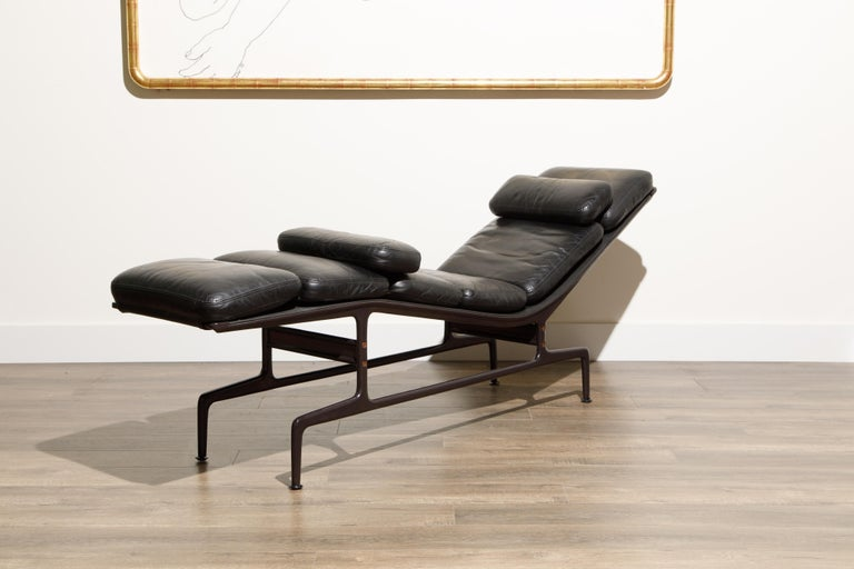 Billy Wilder Chaise Lounge by Ray & Charles Eames for Herman Miller For Sale 1
