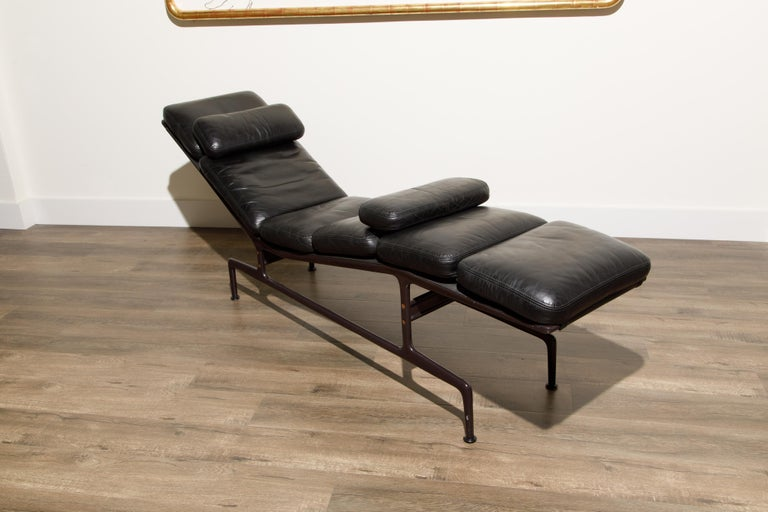 Billy Wilder Chaise Lounge by Ray & Charles Eames for Herman Miller For Sale 2