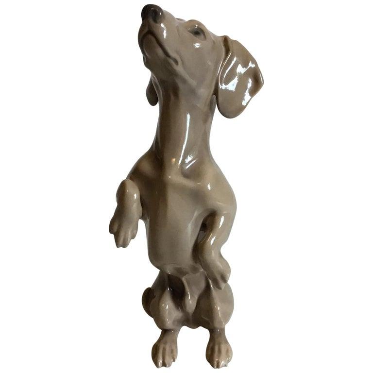Bing & Grøndahl Figurine Dachshund Begging No 1603 For Sale