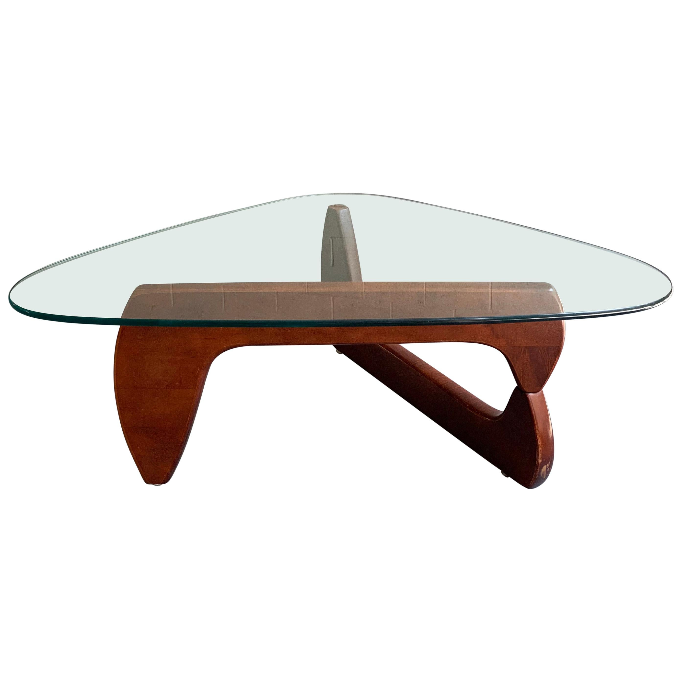 Biomorphic Coffee Table in the Style of Isamu Noguchi