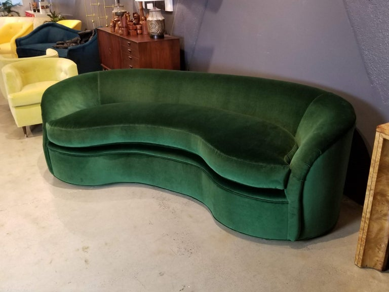 American Biomorphic Kidney Form Sofa by Directional Furniture in Emerald Green Velvet For Sale