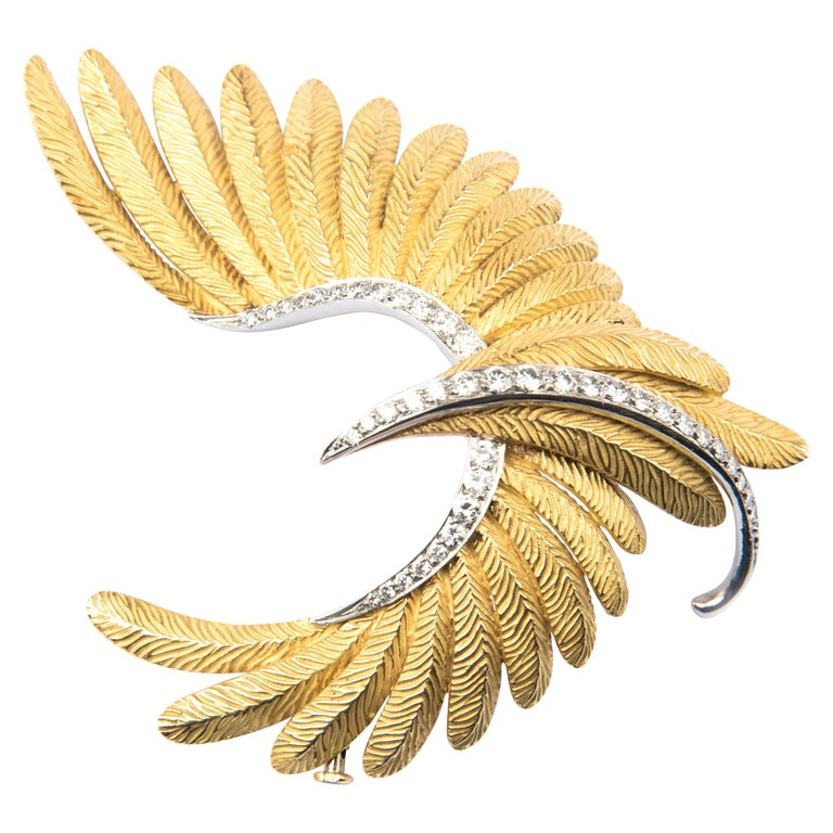 Bird Brooch, 18 Karat Yellow Gold Platinum and Diamond by Bulgari For Sale